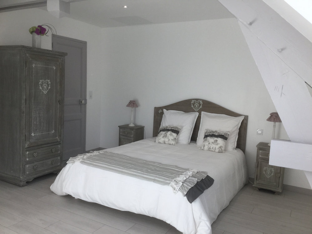 bed breakfast le clos des roys bed breakfasts reims dans la cit des sacres en champagne. Black Bedroom Furniture Sets. Home Design Ideas