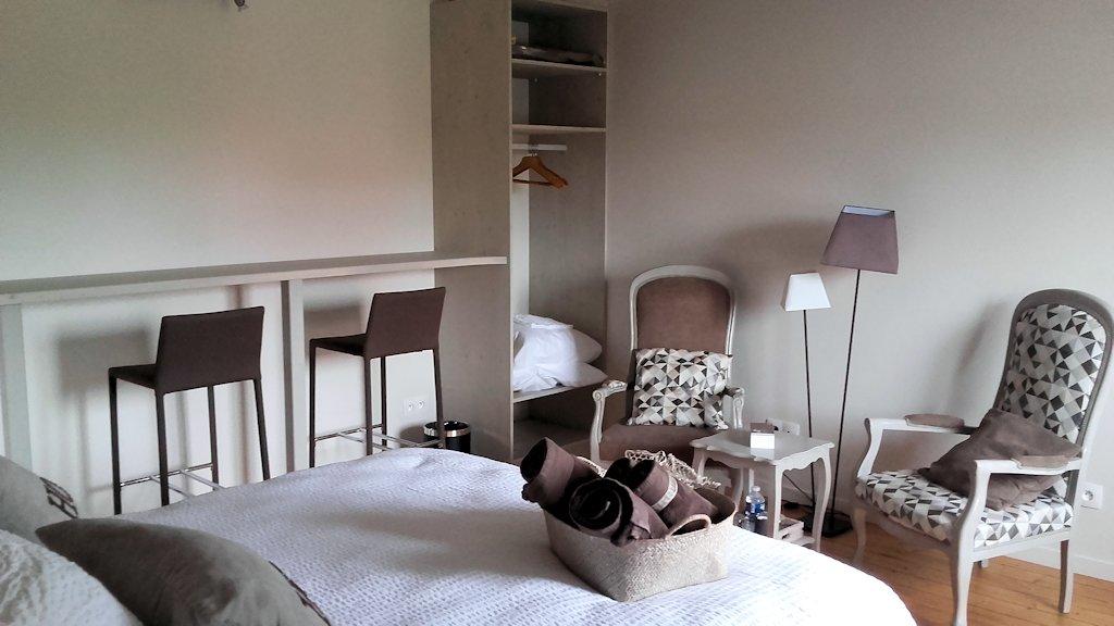 chambres d 39 h tes l 39 h bergerie chambres epoye dans la marne 51 16 km de reims. Black Bedroom Furniture Sets. Home Design Ideas