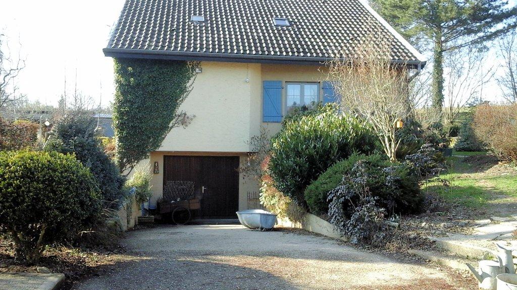 Casas rurales le jardin de marie habitaci n familiar y for Jardines de casas rurales