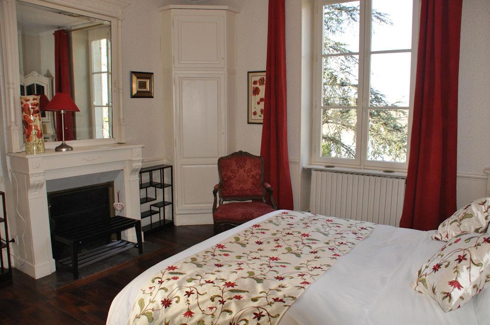 Chambres d 39 h tes le prieur saint agnan chambres cosne cours sur loire - Chambre d hote saint victor sur loire ...
