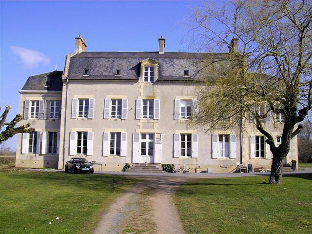 chambres d'hôtes château oliveau proche du circuit de nevers magny