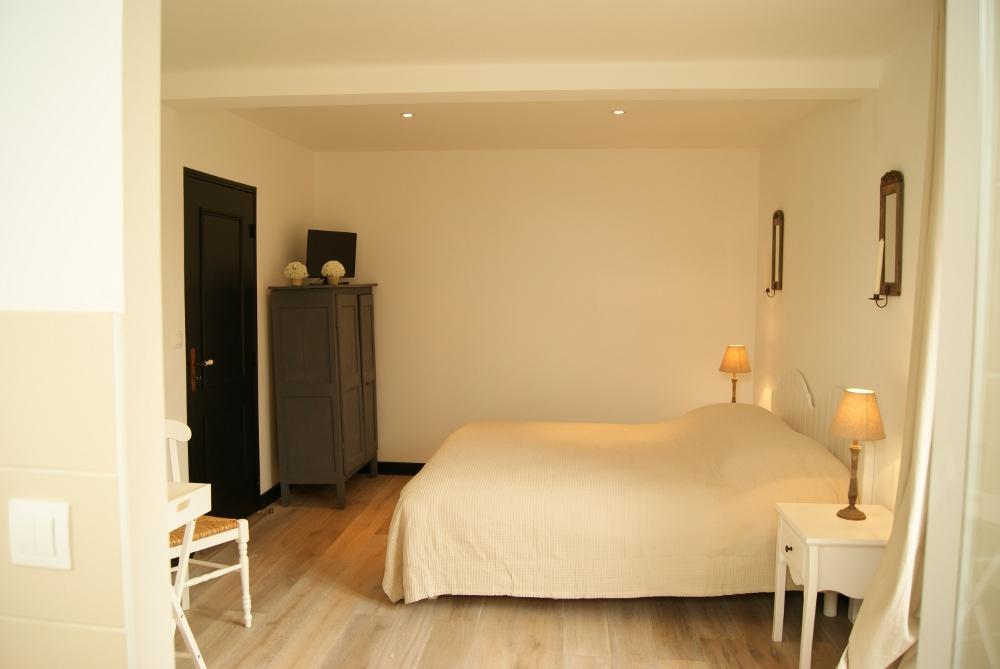 chambres d 39 h tes la grange de salom chambres salom lens lille. Black Bedroom Furniture Sets. Home Design Ideas