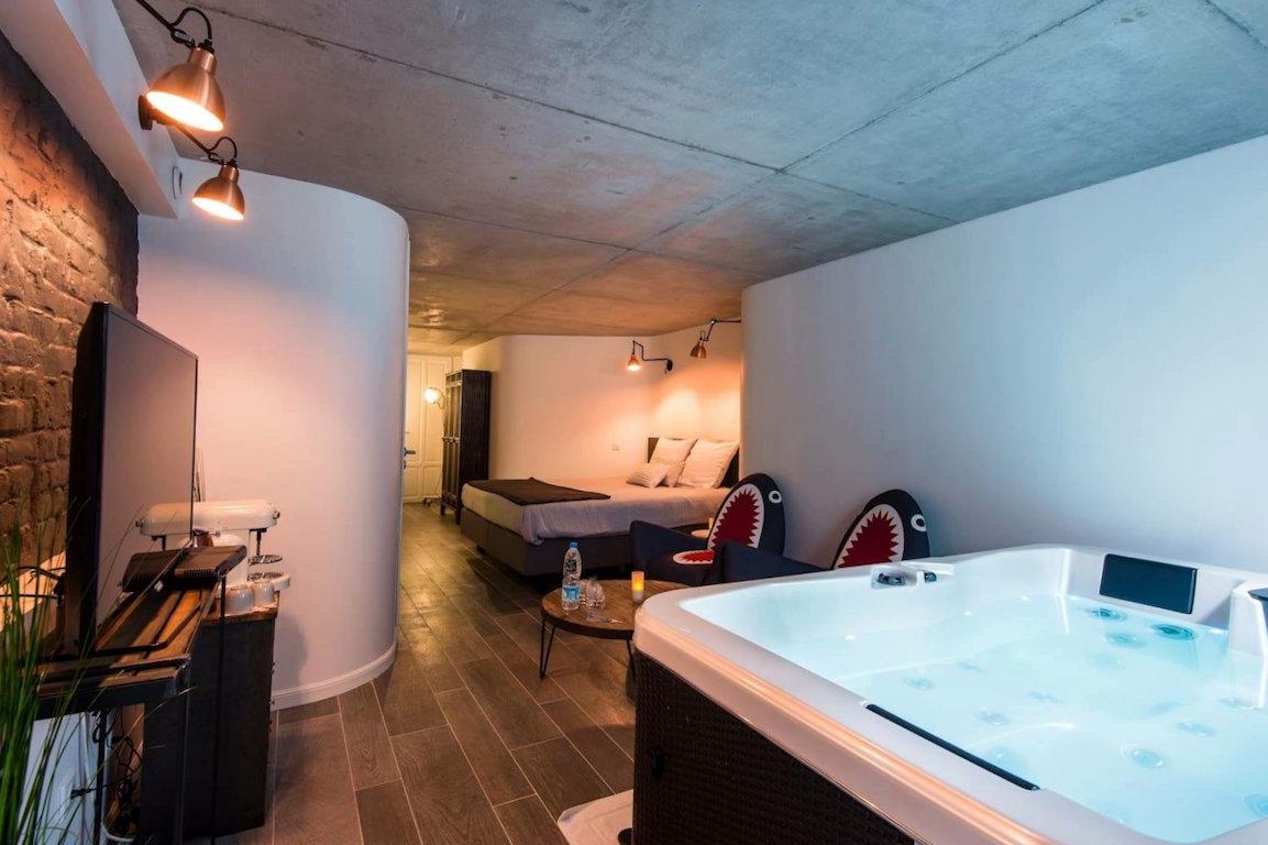 Bed & Breakfast Le Comptoir Industriel : suites avec Spa privatif ...