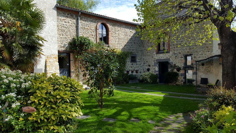 Chambres D Hotes Altamica Chambres Cournon D Auvergne