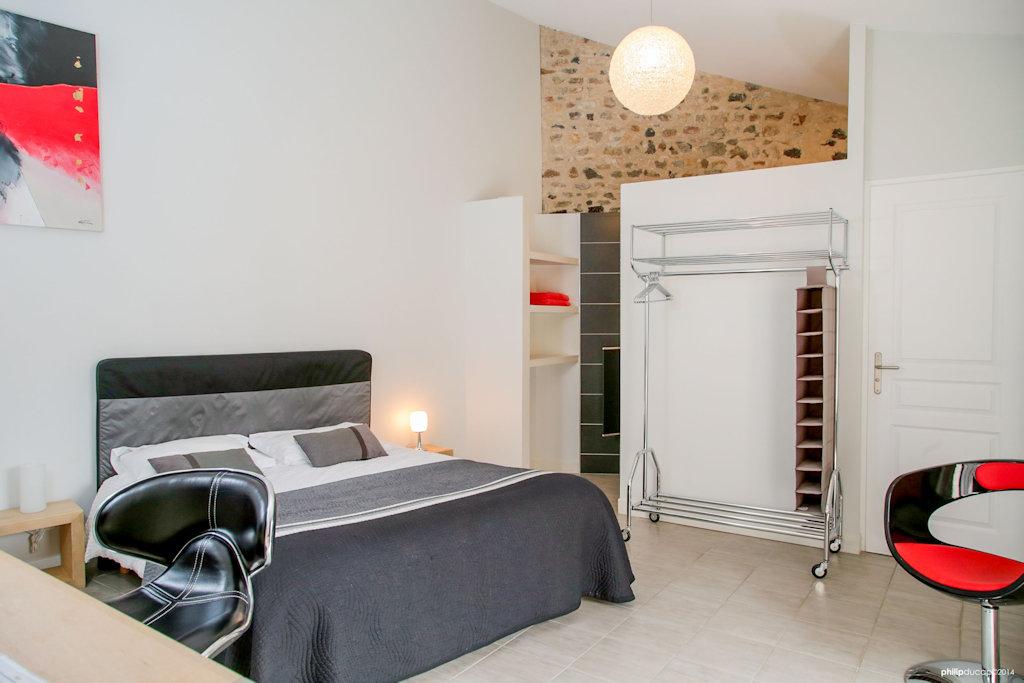 chambres d 39 h tes altamica chambres cournon d 39 auvergne dans le puy de d me 63 10 km de. Black Bedroom Furniture Sets. Home Design Ideas
