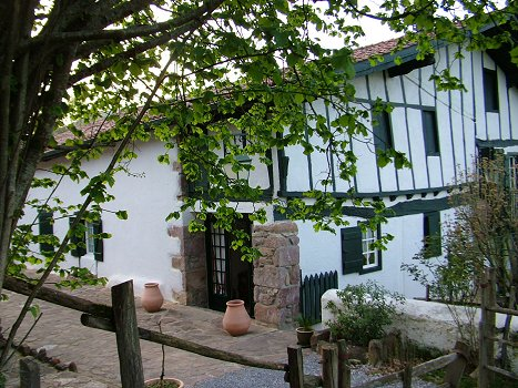 Chambres d 39 h tes de charme ttakoinenborda zimmern in - Chambres d hotes de charme pays basque ...