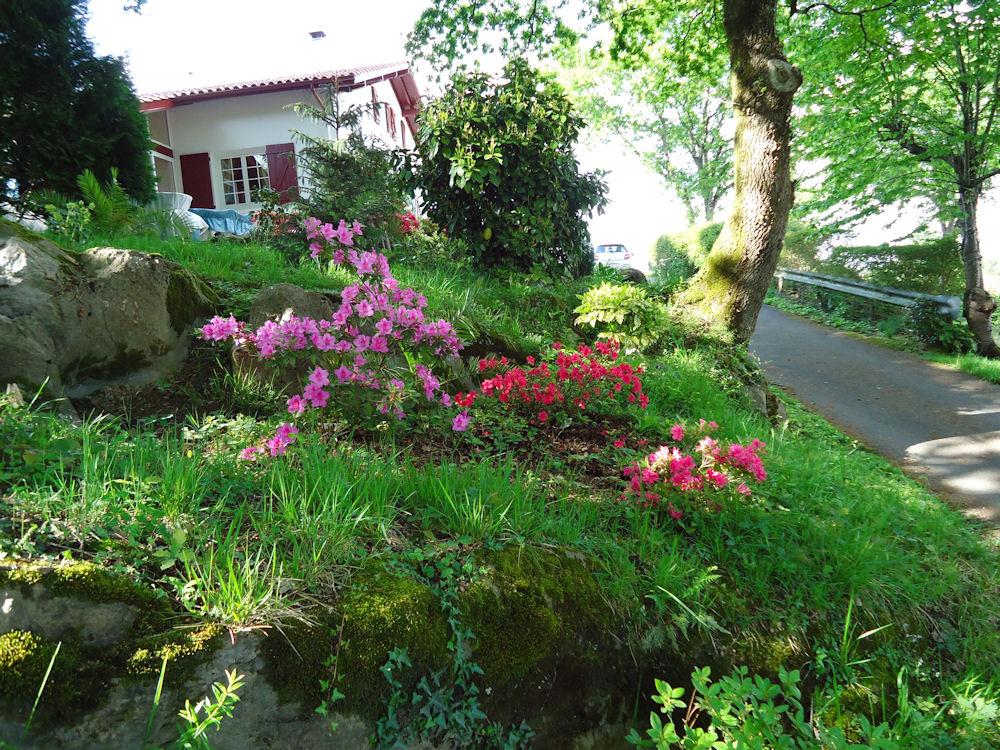 Chambres d 39 h tes villa gastandeia chambres cambo les - Chambres d hotes pays basque francais ...