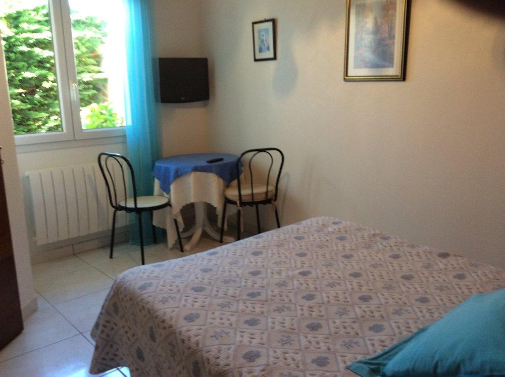 chambres d 39 h tes villa yoda chambres saint jean de luz dans les pyr n es atlantiques 64. Black Bedroom Furniture Sets. Home Design Ideas