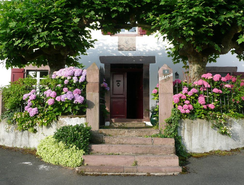 Maison Ziberoa Maison DHtes Chambres Et Suite Familiale Saint