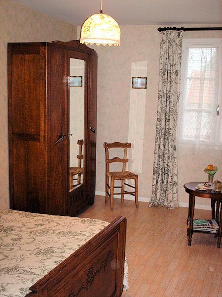 Chambres d 39 h tes ferme du daunat chambre et suite familiale escaunets - Chambre d hotes familiale ...