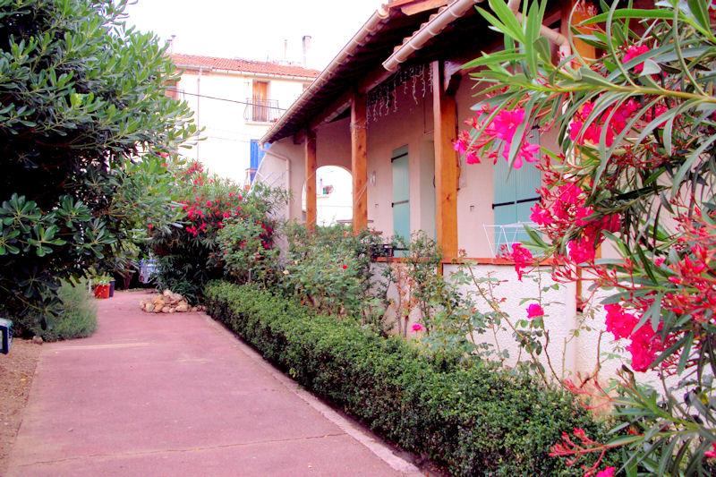 Chambre d 39 h tes al casot pollestres chambre pollestres dans les pyr n es orientales 66 10 - Jardin romantique nuit perpignan ...