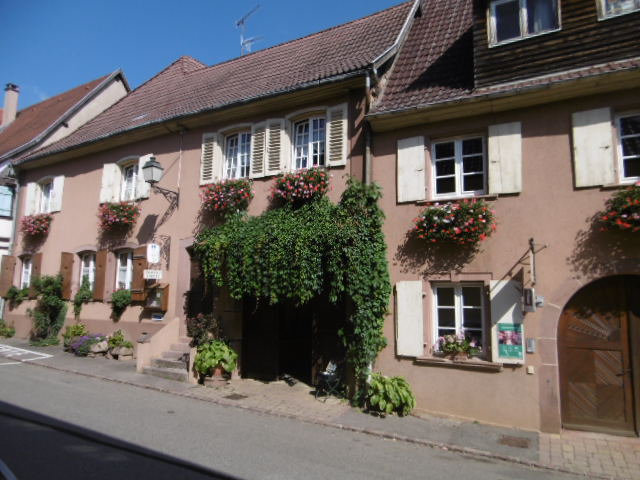 Chambres D Hotes Cote Cour Zimmern In Beblenheim In Le