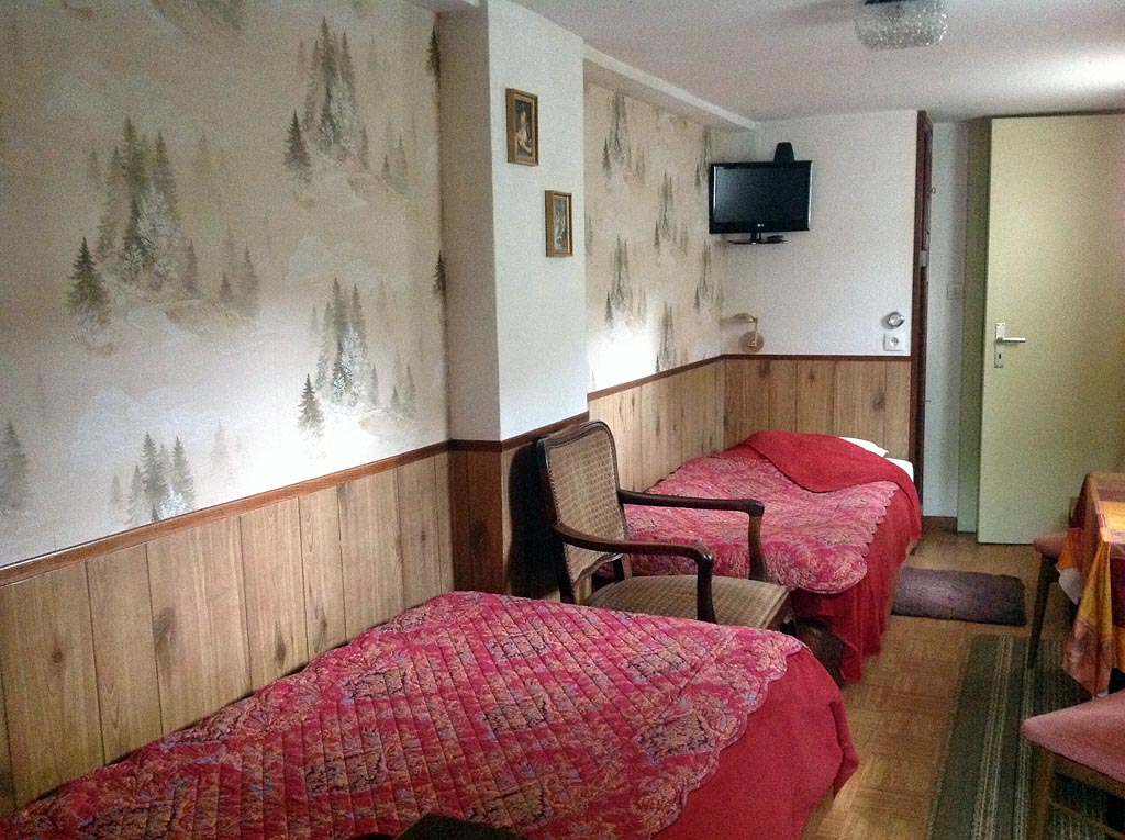 Chambre d 39 h tes chez nicole chambre beblenheim dans le for Chambre hote 68