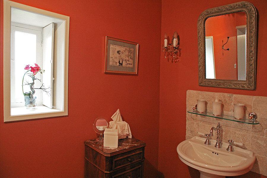 Chambres d 39 h tes domaine du mont verrier chambres saint julien monts du beaujolais - Chambre d hote de charme beaujolais ...