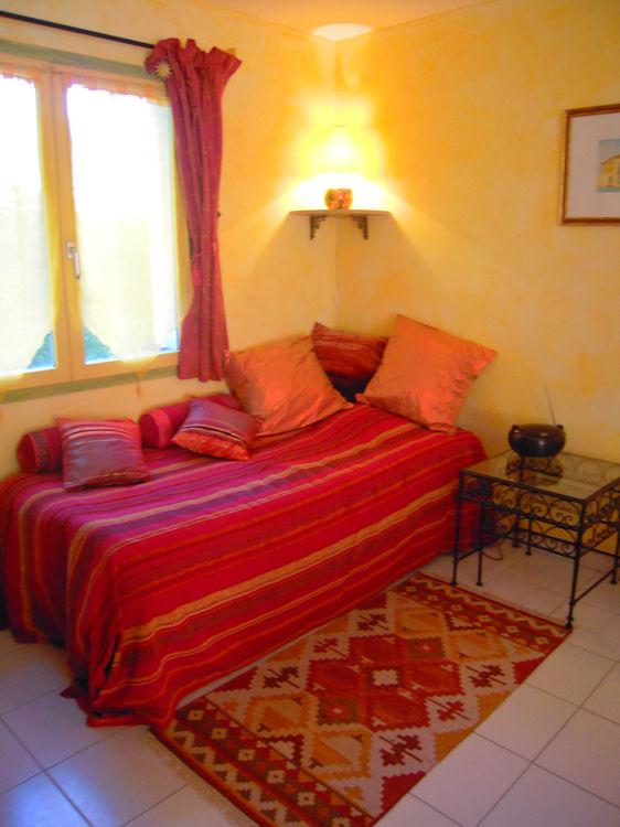 Chambre d 39 h tes les iris chambres d 39 h tes saint jean des vignes beaujolais pierres dor es - Chambre d hote de charme beaujolais ...