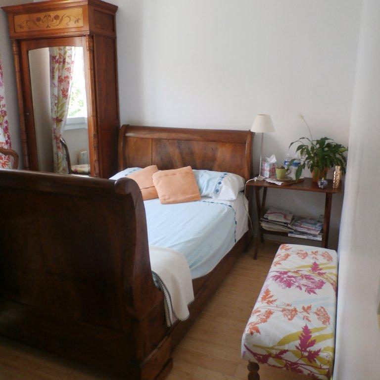 aurore villa chambres d 39 h tes et tables d 39 h tes rh ne lyon suites d cines charpieu dans le. Black Bedroom Furniture Sets. Home Design Ideas
