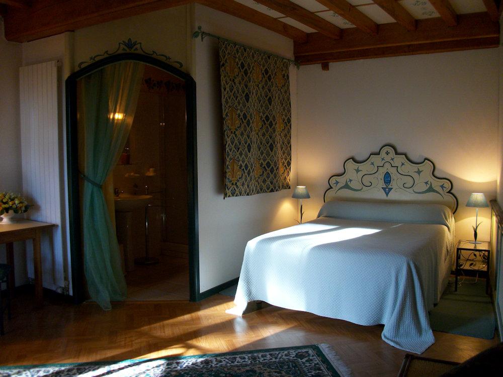 Chambres d 39 h tes le clos des 3 artistes chambres d 39 h tes tournus - Chambres d hote bourgogne ...