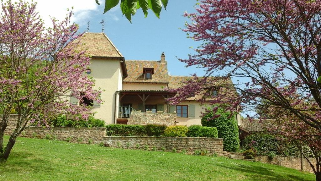 Chambres D Hotes Residence Albizia Chambres Etrigny Bourgogne