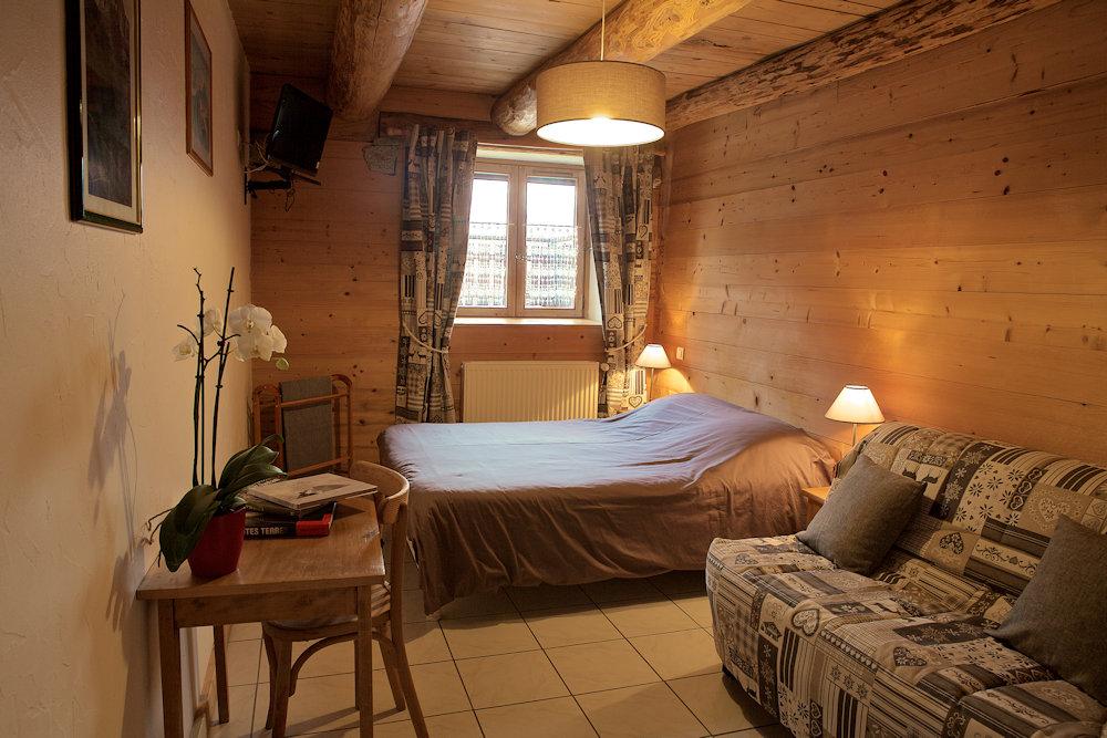 chambres d 39 h tes la ferme du mont blanc chambres d 39 h tes combloux rh ne alpes. Black Bedroom Furniture Sets. Home Design Ideas