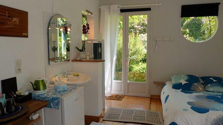 chambres d 39 h tes les p tis doux zimmern hautot sur mer c te d 39 opale. Black Bedroom Furniture Sets. Home Design Ideas