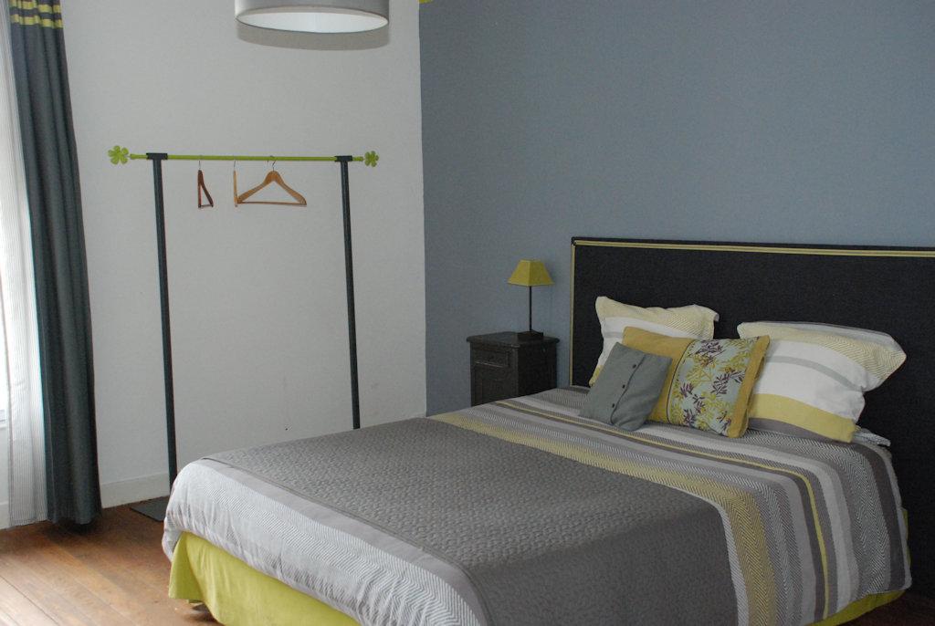 Ferme du grand h tel du bois chambre familiale et - Hotel seine et marne avec jacuzzi dans la chambre ...