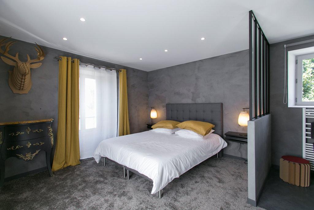 chambres d 39 h tes le presbyt re de thiverval chambres et appartement thiverval grignon plaine. Black Bedroom Furniture Sets. Home Design Ideas