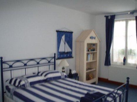 chambres d 39 h tes la maison bleue en baie chambres au crotoy dans la somme 80 baie de somme. Black Bedroom Furniture Sets. Home Design Ideas