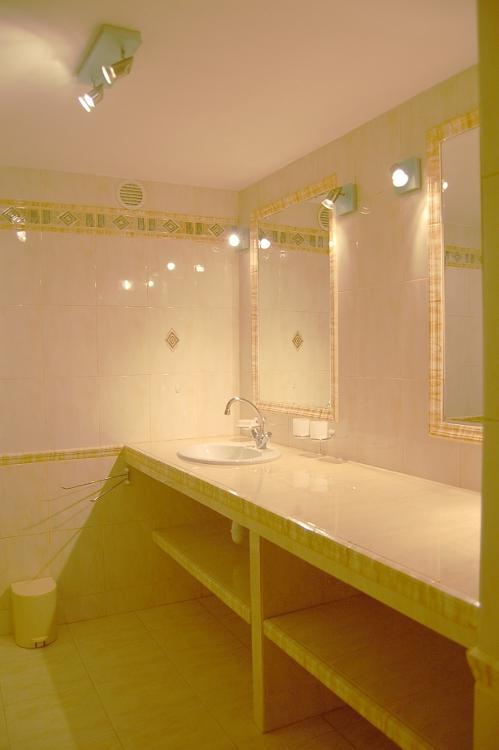 Chambres d 39 h tes bastide de la mourignette chambres le luc - Chambre d hote le luc en provence ...
