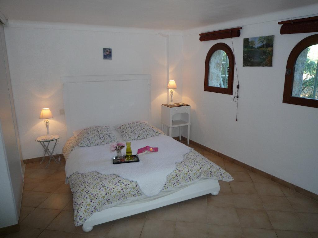 chambres d 39 h tes la rose des vents chambres montauroux pays de fayence. Black Bedroom Furniture Sets. Home Design Ideas