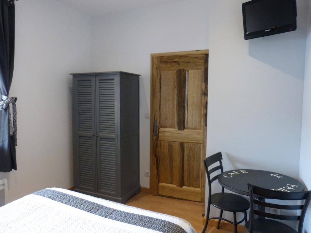 g te du pagoulin chambres d 39 h tes g stezimmer hy res provence c te d 39 azur. Black Bedroom Furniture Sets. Home Design Ideas