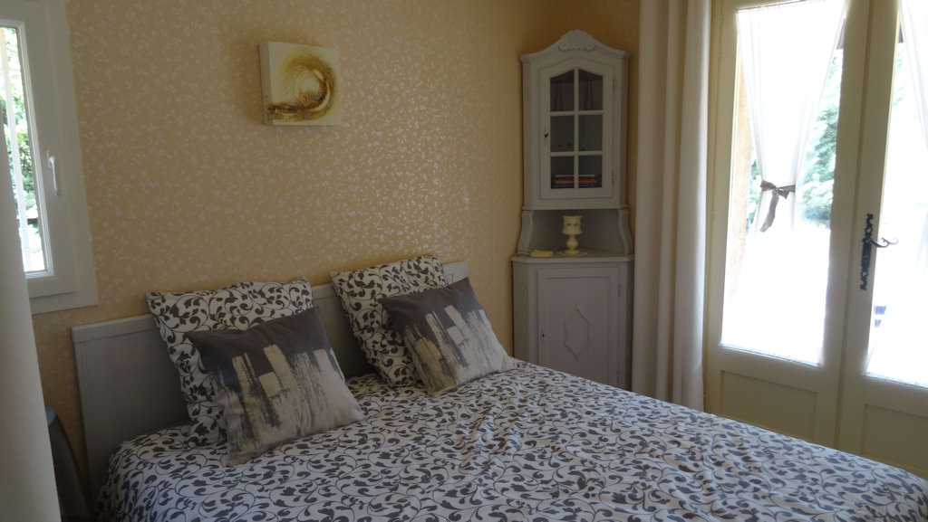 Chambres d 39 h tes naturiste la fenouill re chambres d for Var chambres d hotes