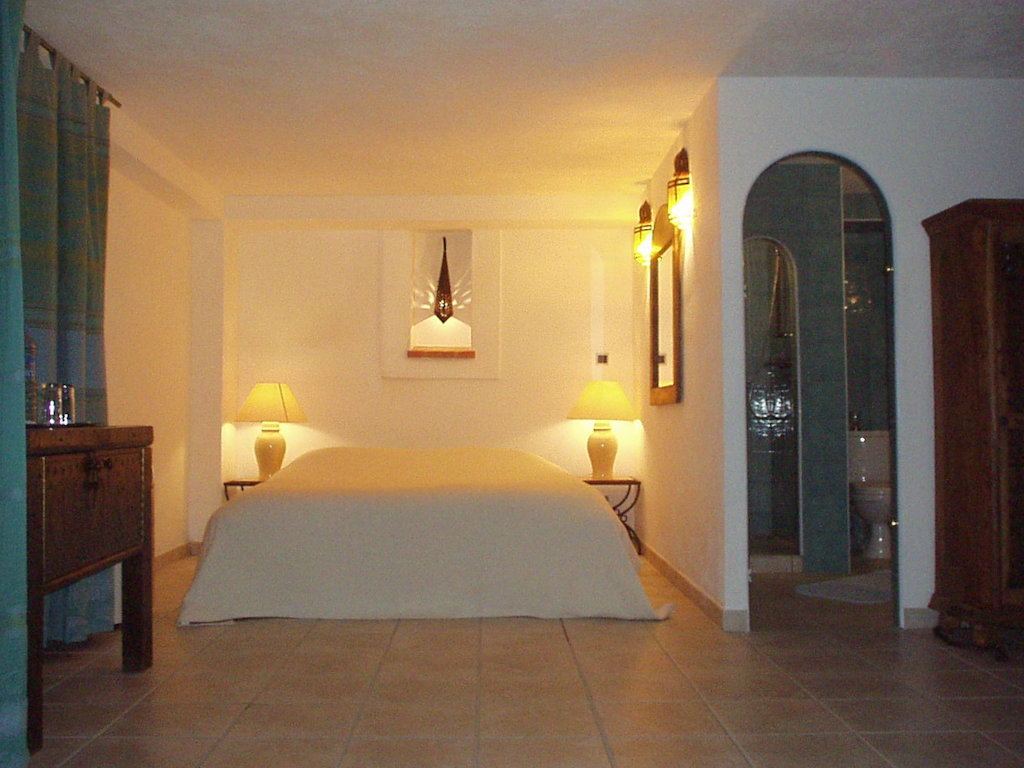 Chambres d 39 h tes le s rail naturiste chambres giens porquerolles port cros le du levant - Chambre d hote ile de porquerolles ...