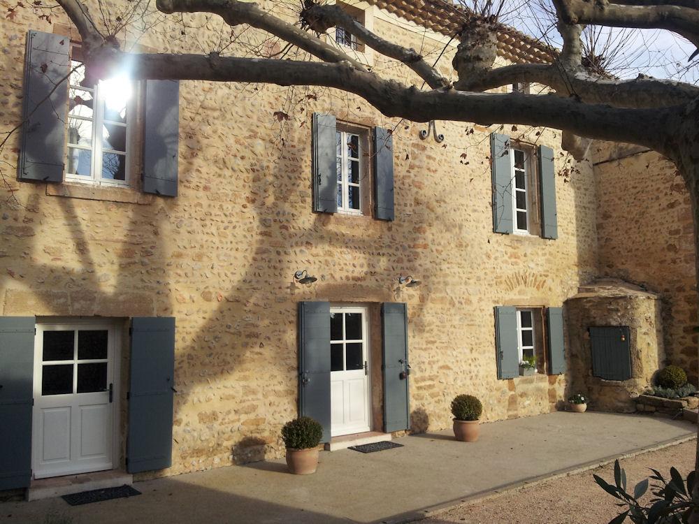 Chambres d\'hôtes La Grange Bessac, chambres Violès, Provence ...