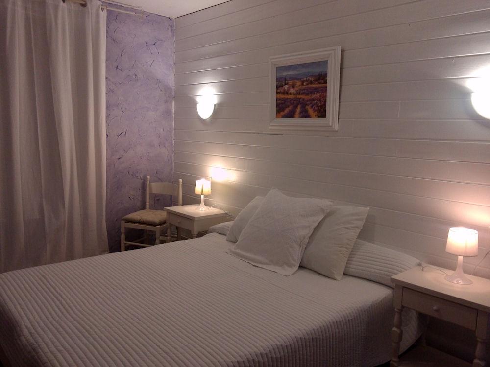 Chambres d 39 h tes chez c cile le baron des adrets chambres d 39 h tes mornas vaucluse - Chambres d hotes lisieux ...