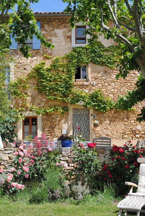 Chambres d 39 h tes istrane chambres rustrel dans le vaucluse 84 parc naturel r gional du - Chambre d agriculture du vaucluse ...