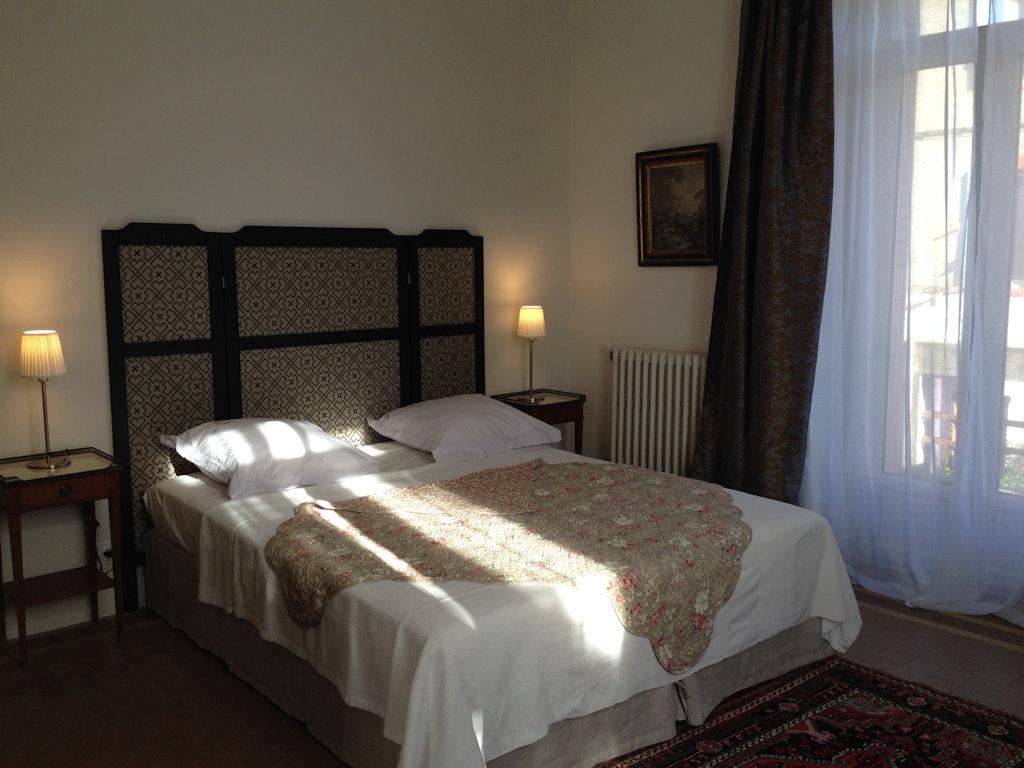 chambres d 39 h tes villa regina chambres vaison la romaine dans le vaucluse 84 pays du ventoux. Black Bedroom Furniture Sets. Home Design Ideas