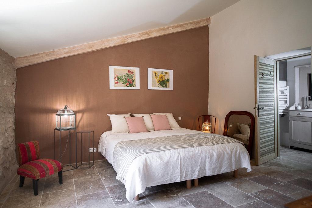 chambres d 39 h tes la ressence chambres d 39 h tes bonnieux luberon. Black Bedroom Furniture Sets. Home Design Ideas