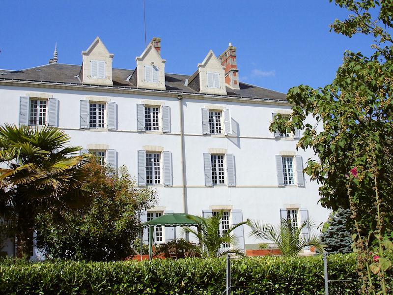 Chambres d 39 h tes ch teau des bretonni res sur vie chambres d 39 h tes commequiers pays de saint - Chambre d hotes saint gilles croix de vie ...