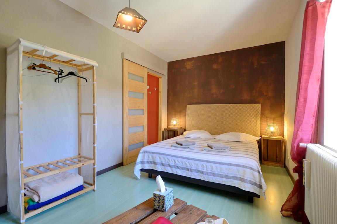 Chambres d 39 h tes la maison des escargots chambres blanzay poitou charentes - La maison des escargots ...
