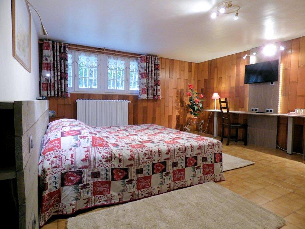 chambres d 39 h tes domaine des aquarelles chambres domont dans le val d 39 oise 95 val d 39 oise. Black Bedroom Furniture Sets. Home Design Ideas