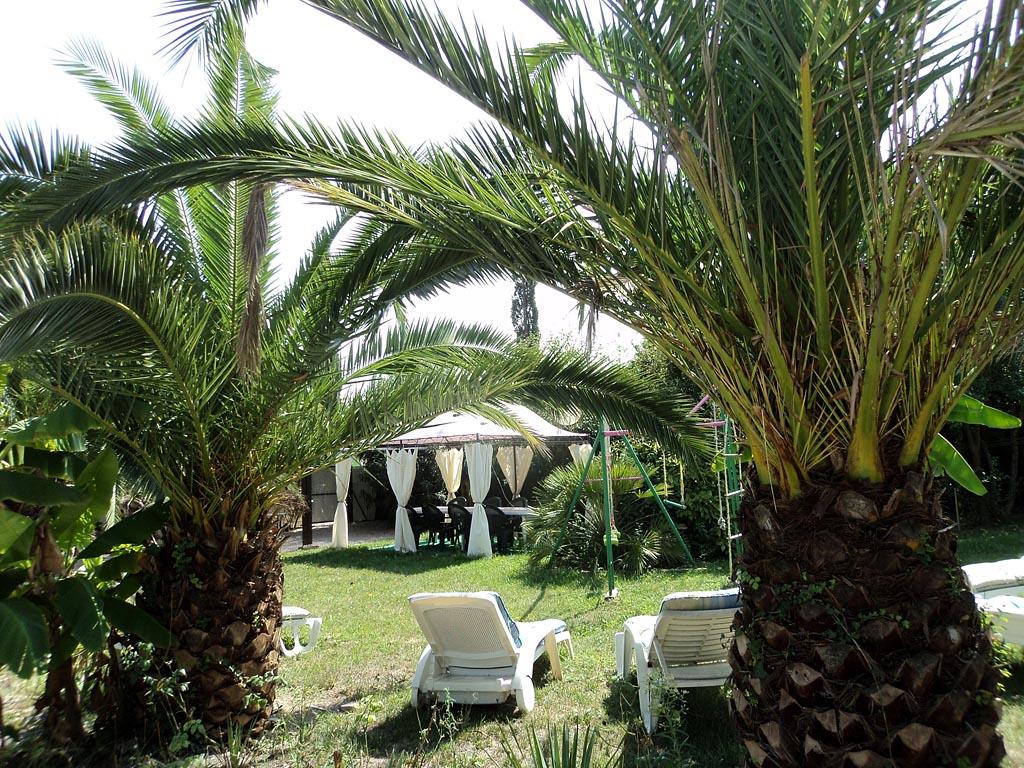 """Mobilier De Jardin Alpes Maritimes villa """"le clos st christophe"""", jardin privé - appartements à"""