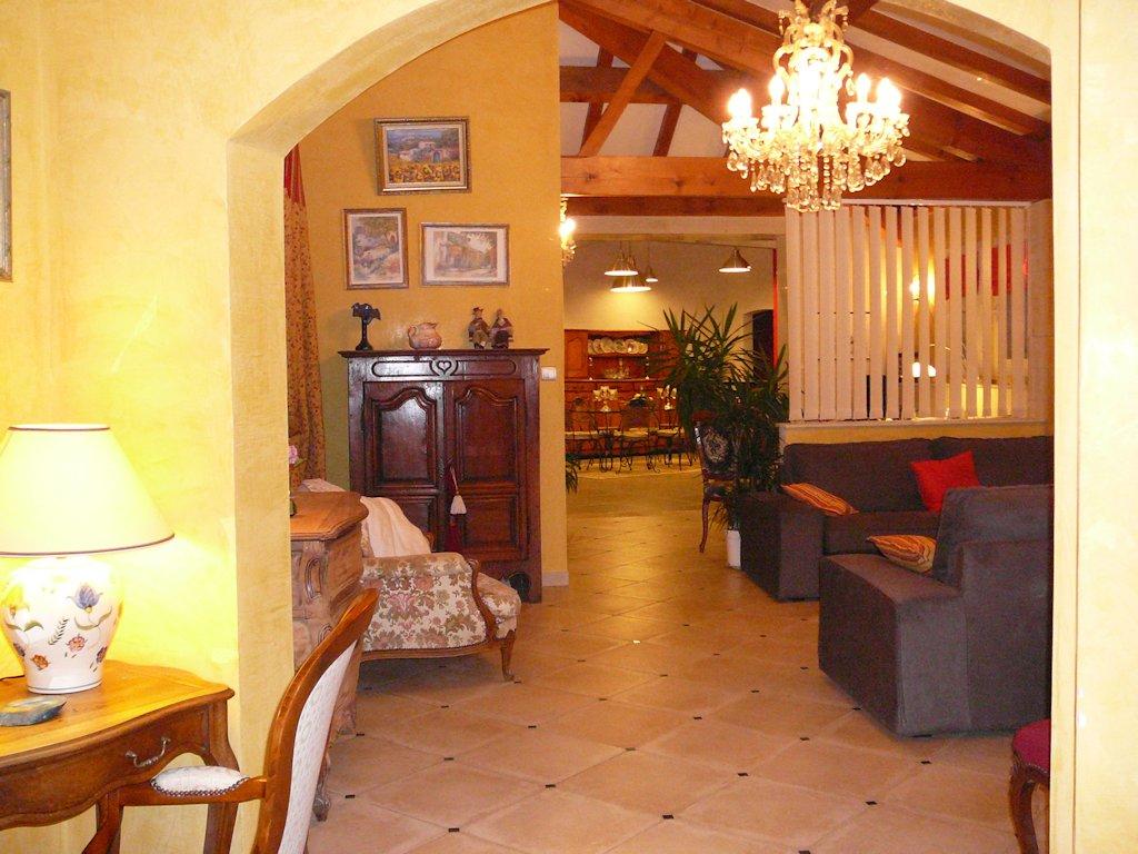 G Te Les Lauriers Roses Villa Saint Tienne De Fontbellon  # Muebles Leclerc Ciudad Real