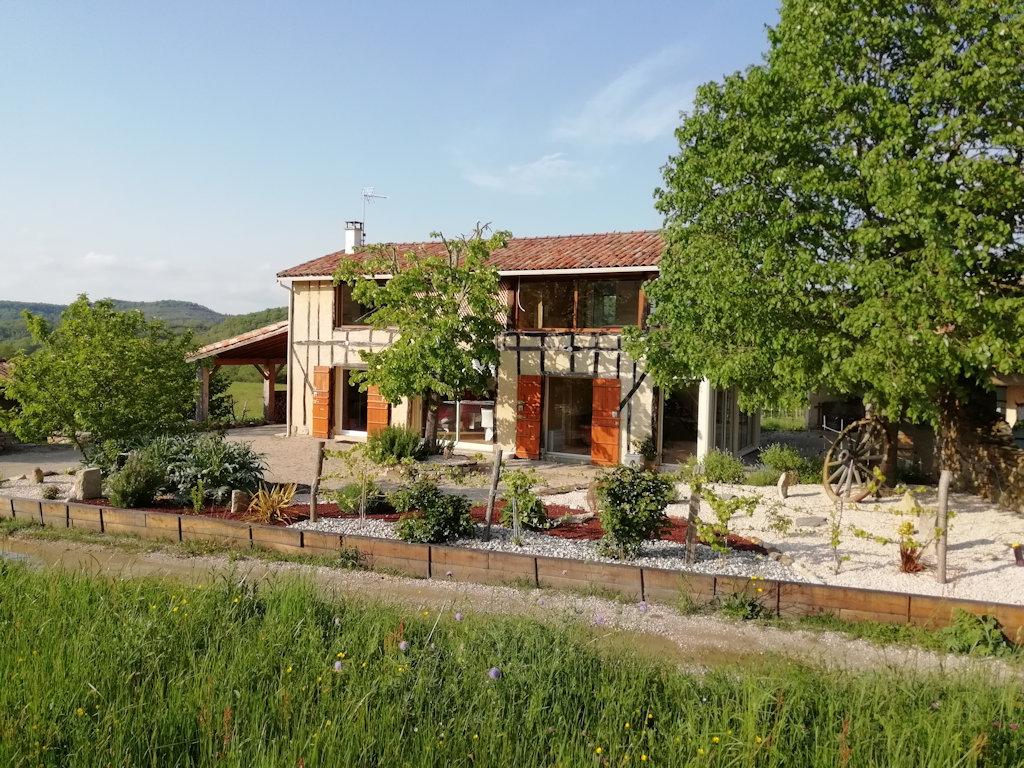Maison dans un écrin de verdure avec spa intérieur privatif, Haus ...