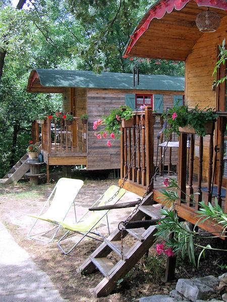aux trois sources studio and wooden caravans aubagne. Black Bedroom Furniture Sets. Home Design Ideas