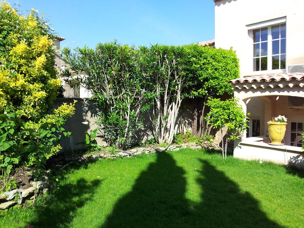 Eau Vive : petite maison jardin proximité mer - Haus in Martigues in ...