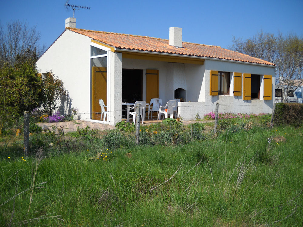 Maison de vacances saint denis d 39 ol ron locations de - Maison jardin toulouse location saint denis ...