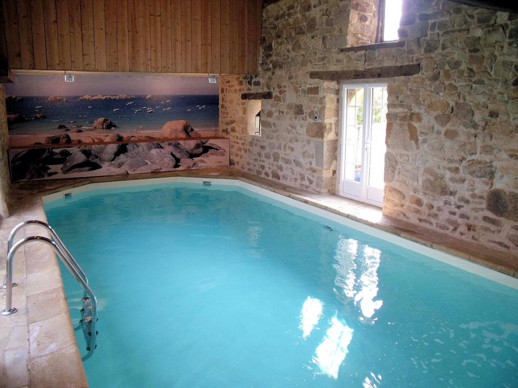G te 4 personnes piscine int rieure et spa g te carno t Gite de france vaucluse avec piscine
