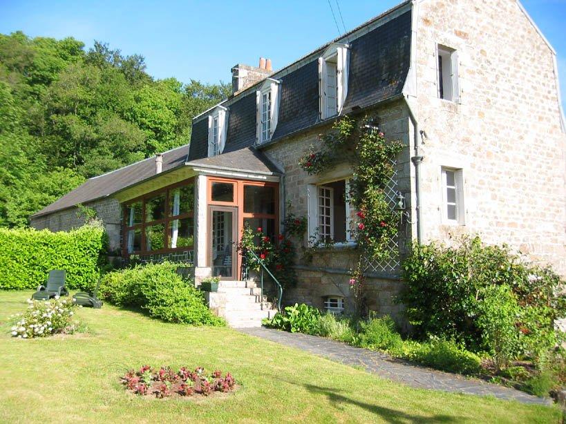 Gite Du Moulin De Keranraix Casa Le Vieux Marche Tregor Cote De Granit Rose