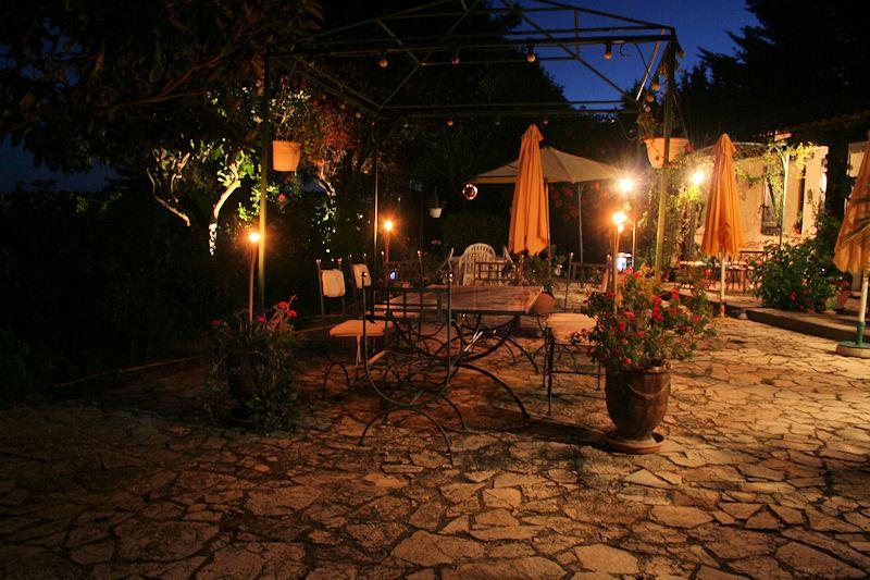 Gîte/Jardin de Charme 2 à 6 personnes, Haus Saint-Laurent-d\'Aigouze ...