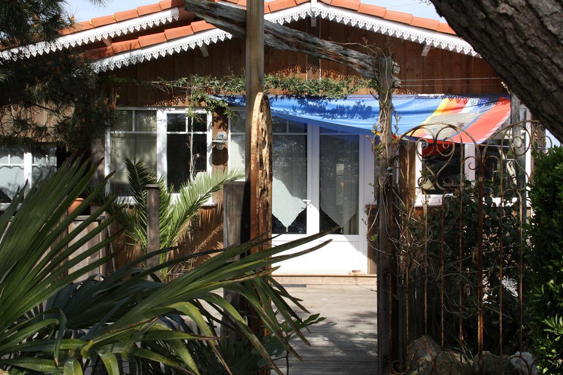 la cabane de b bert maison au cap ferret maison cap ferret en gironde 33. Black Bedroom Furniture Sets. Home Design Ideas